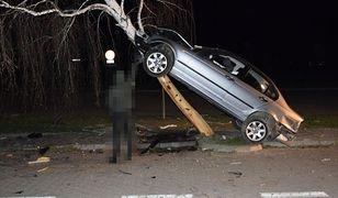"""21-latek """"zaparkował"""" bmw na brzozie. Był pijany"""