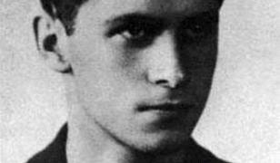 Oddał życie, walcząc o Polskę. Krzysztof Kamil Baczyński przerósł legendą własnego ojca