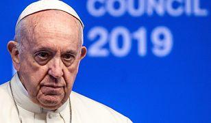 Mocny list kardynałów przed szczytem w Watykanie