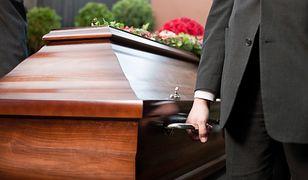 Zbliżające się święto zmarłych skłania do wspomnień, niestety nie zawsze pozytywnych. Czytelnicy opisują skandale z branżą pogrzebową