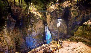 Leśnicy podświetlili wodospad w rezerwacie przyrody. Na rewitalizację wydali 3,5 mln zł