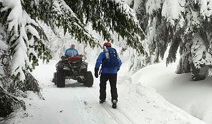 GOPR-owcy uratowali dwóch biegaczy narciarskich. Trudne warunki w górach