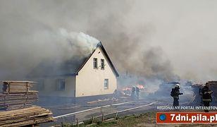 Ogromny pożar tartaku. Zagrożone domy jednorodzinne