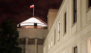Nocne obrady Sejmu i Senatu. Posiedzenia na Wiejskiej