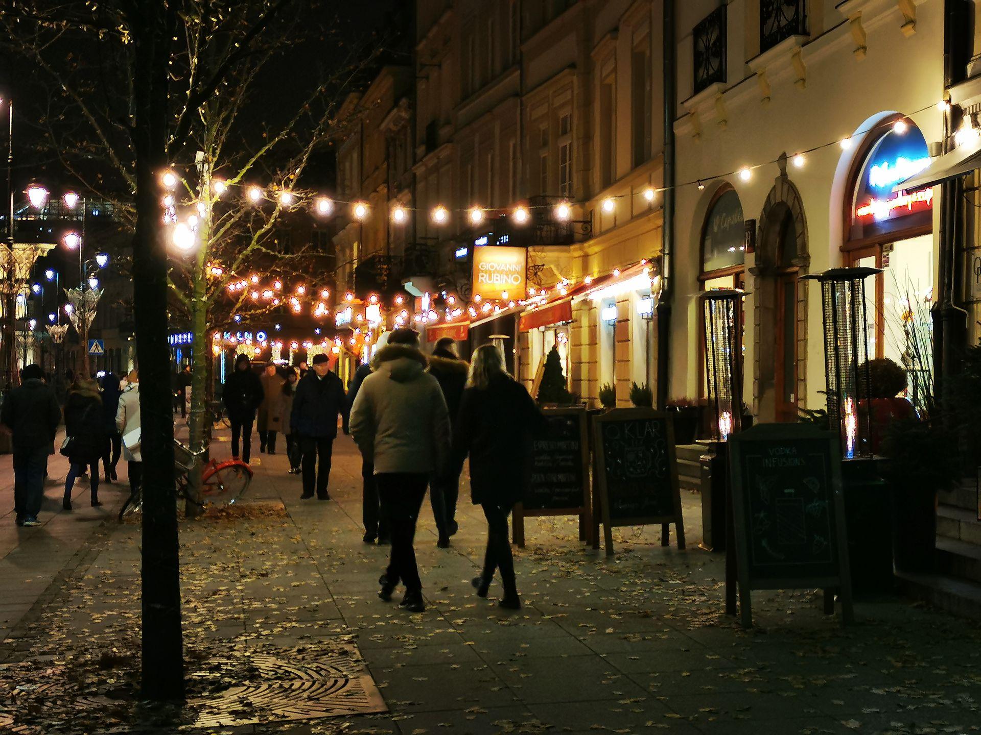 Warszawa. Świąteczna iluminacja zostanie zapalona po raz pierwszy już w najbliższy weekend