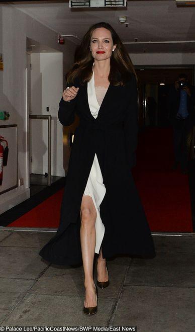 Wielka gwiazda - Koścista Angelina Jolie. Jest piękna, ale wygląda ...