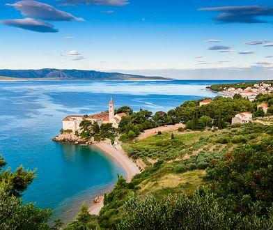 64f9d72ea Błękit i zieleń dominują w krajobrazie Dalmacji, tak jak w okolicach  dominikańskiego monasteru w Bol