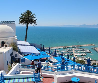 Tunezja zmienia przepisy – test PCR i kwarantanna dla podróżnych