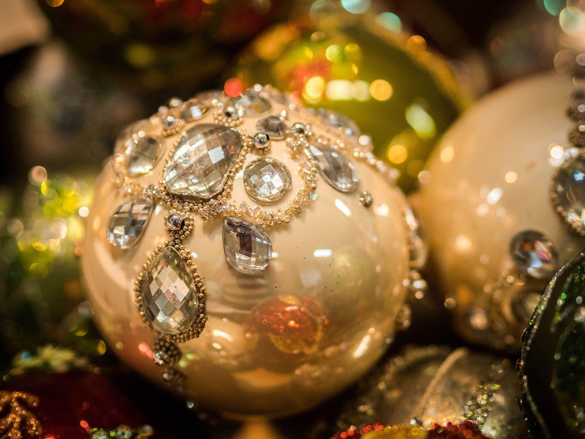 Boże Narodzenie w USA tylko ze szklanymi bombkami