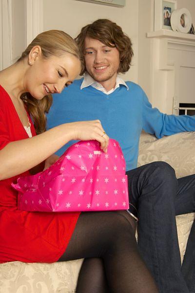 Plusy umawiania się z młodszą kobietą