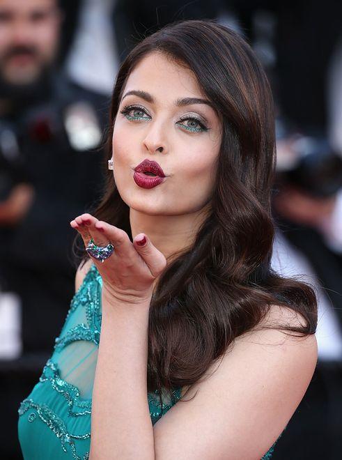 Makijaż W Wersji Glam Fioletowe Usta Królowej Bollywood
