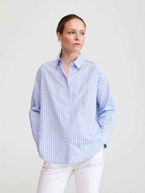 Wiosenna elegancja, czyli najmodniejsze koszule na sezon  Uz5cS