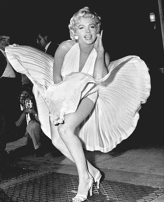 0b4f24af032c9c Słynny kadr z Marilyn Monroe - Caroline Vreeland popełniła faux pas ...