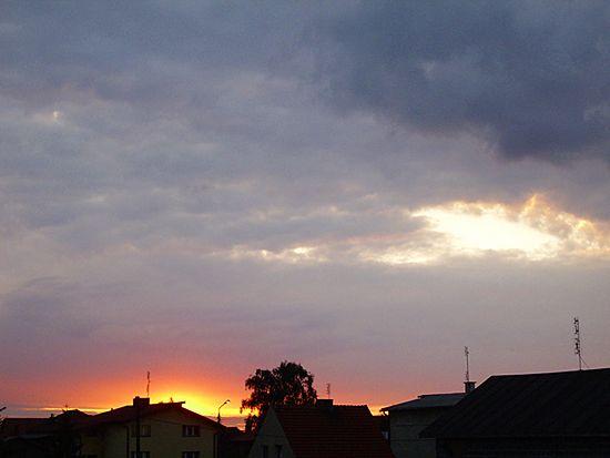 492f9c23d9 Wszystkie kolory nieba - niebo płonie nad Wrocławiem - WP Wiadomości