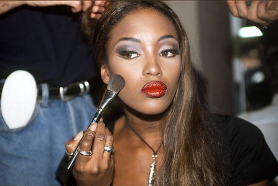 Trendy W Makijażu Lat 90 Wp Kobieta