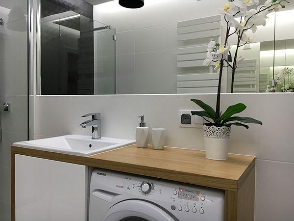 Nowoczesna łazienka Drewno W Towarzystwie Bieli I Czerni