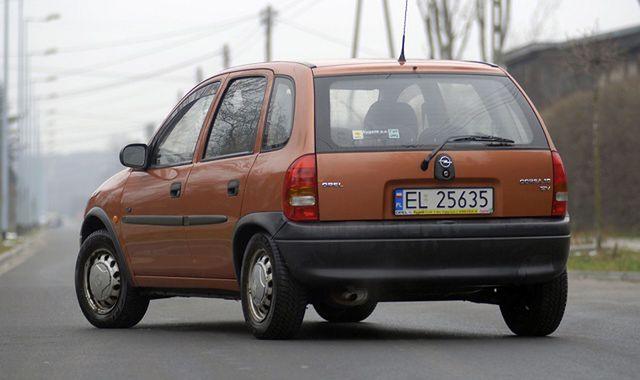 Opel Corsa B 1 0 Leciwy Mieszczuch