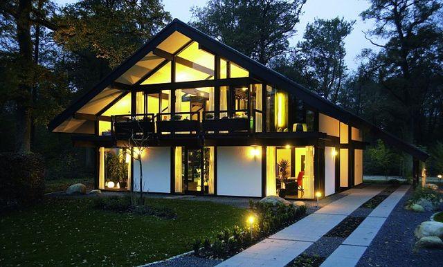 Kuća koja mi se svidela - Page 3 Domy-z-duzymi-oknami-weberhaus2