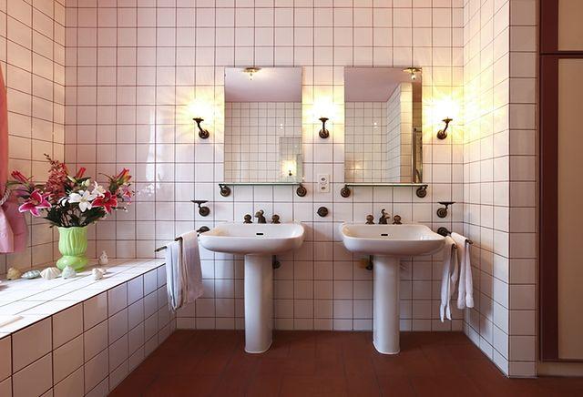 Tani Remont łazienki Jak Tanio Odnowić Niemodną łazienkę