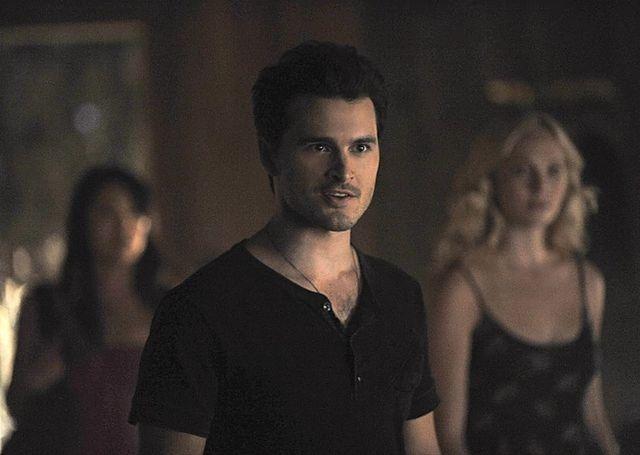 pamiętniki wampirów, kiedy Elena i Damon zaczynają się spotykać marathi swatanie Kundli