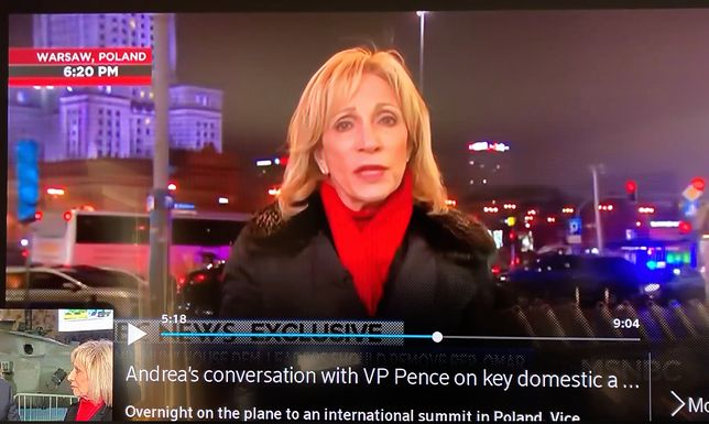 ee13c5b8d2ffc Amerykańska dziennikarka Andrea Mitchell podczas relacjonowania szczytu  bliskowschodniego w Warszawie