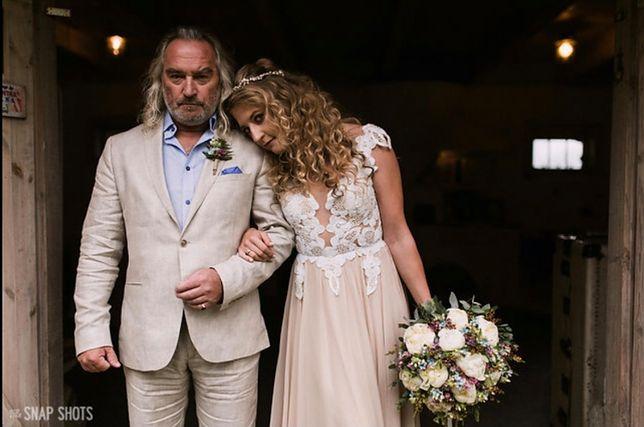 c877795e9a Suknia ślubna Lary Gessler na aukcji WOŚP. Zdecydowanie wyróżnia się na tle  innych