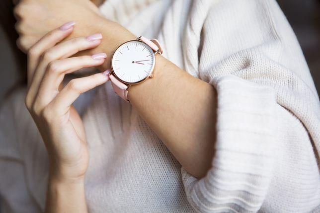 33c2d4e318df1f Modne zegarki do 200 złotych. Wyglądają bardzo luksusowo - WP Kobieta