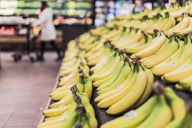 Egzotyczny Pająk W Bananach Market Dementuje Rękawiczki Nic By Tu