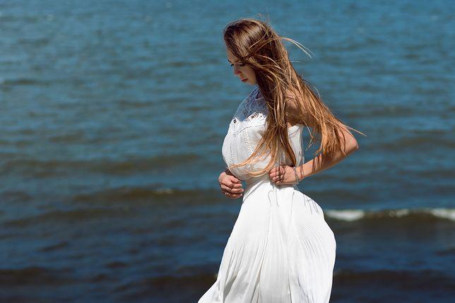 7d679db776 Biała sukienka maxi – idealna na lato - WP Kobieta