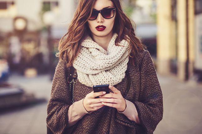 Modne ubrania Jak modnie nosić szalik? Sprawdź nasze propozycje - WP Kobieta JJ01