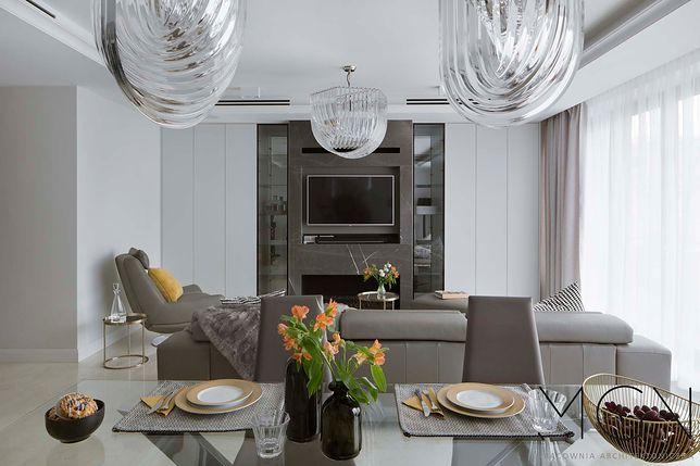 Dom Jaśnie Oświetlony Dobieramy Lampy Do Salonu Kuchni łazienki