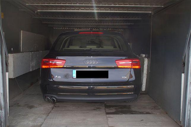 Kradzież Której Nie Było Luksusowe Auto Stało Spokojnie W Garażu