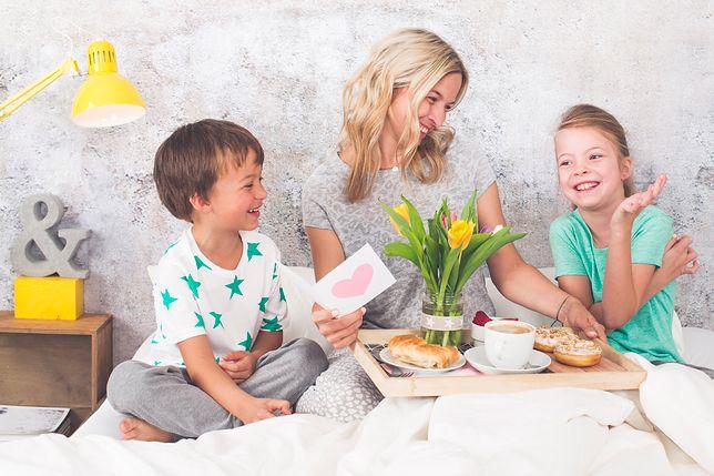 Dzień Matki 2019 Szukasz życzeń Na Dzień Matki Wierszyki