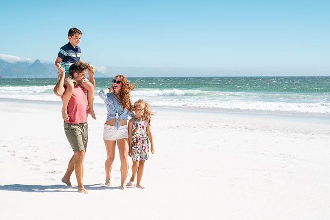 Czy dzieci muszą mieć robiony test na koronawirusa przed podróżą na wakacje?