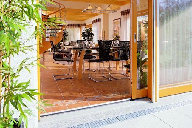 Drzwi Balkonowe Bez Barier Zalety I Wady Niskiego Progu