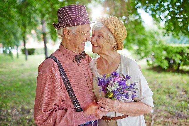 kto jest quinnem z radości randki w prawdziwym życiu