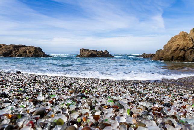 Znalezione obrazy dla zapytania szklana plaża