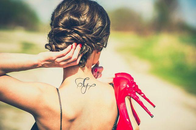 Tatuaże Damskie Najpiękniejsze Wzory Miejsca Idealne Na Delikatny