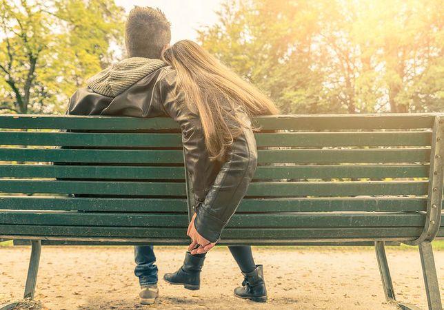 Spotyka się z 26-letnim mężczyzną