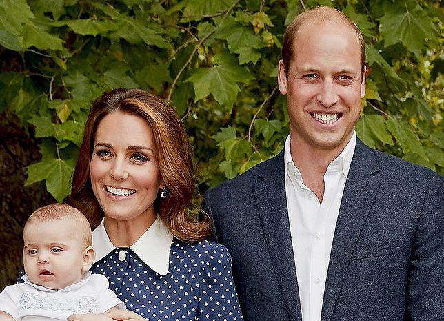 97a4bbb404 Niebieska sukienka jak ta księżnej Kate do kupienia w sieciówce ...
