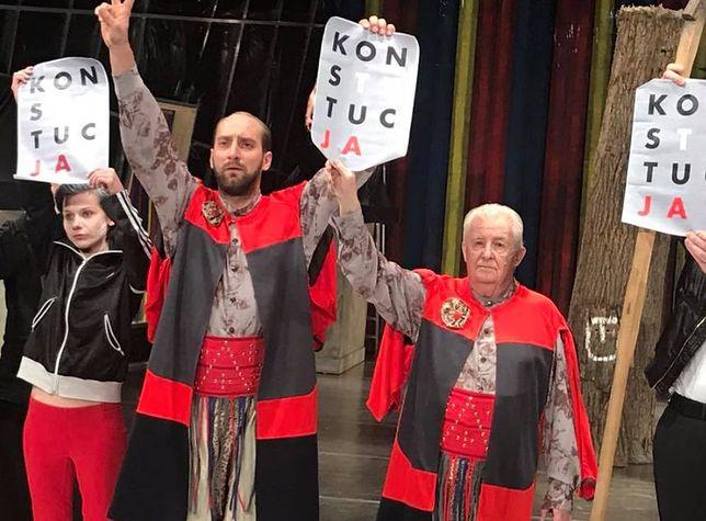 Aktorzy Teatru Starego W Krakowie Protestują Ze Sceny Wp Film