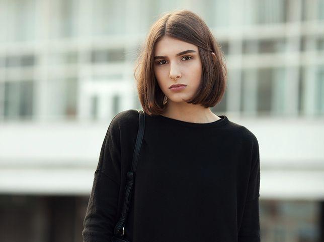 a5732491 Elegancka bluza - stylowa alternatywa dla nudnych żakietów - WP Kobieta