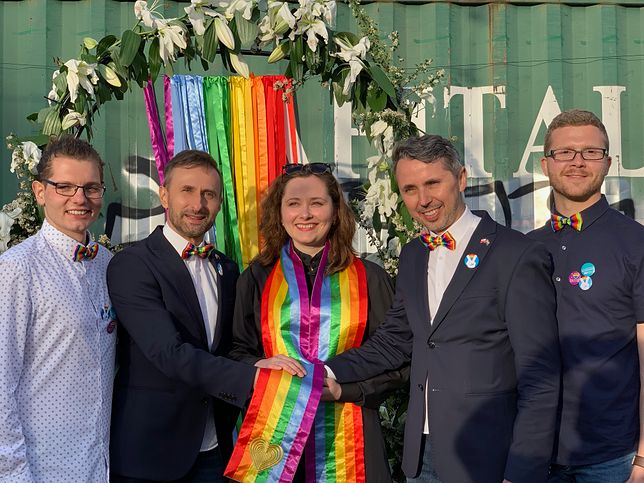 Seks i gejowski ślub w mieście