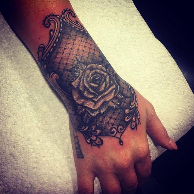 Tatuaż Koronka Zmysłowe Inspiracje Na Koronkowy Tatuaż
