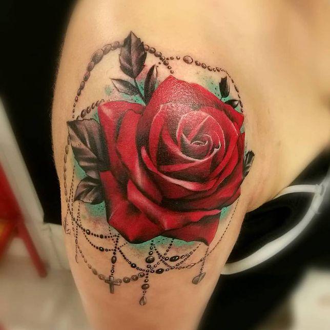 Tatuaż Ważka Motyl Czy Kwiaty Wzory Tatuaży Inspirowane
