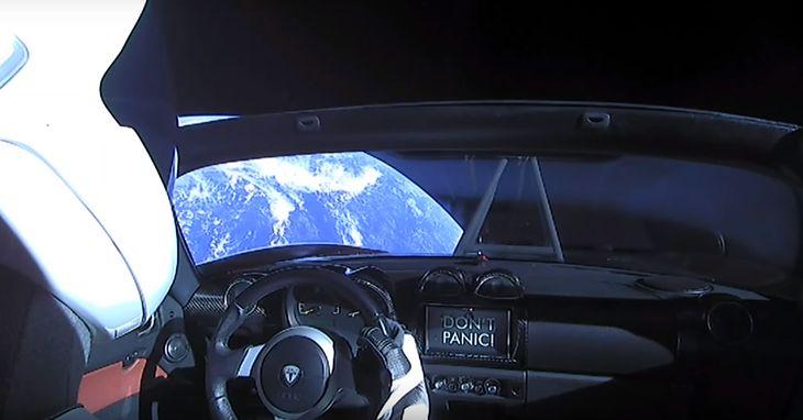 Taki widok miał Starman kilkanaście godzin po opuszczeniu Ziemi. Jego przygody można oglądać na żywo.