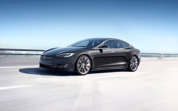 Tesla Model S pojawiła się na rynku w 2012 roku i ciągle nie ma konkurencji