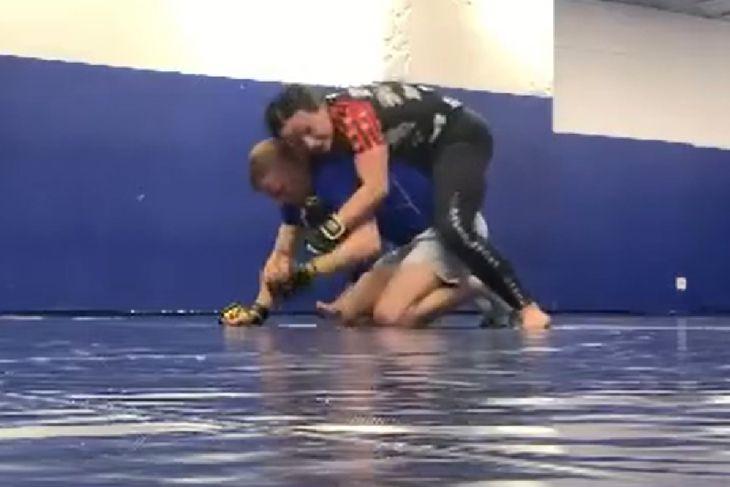 Kamila Wybrańczyk na treningu MMA