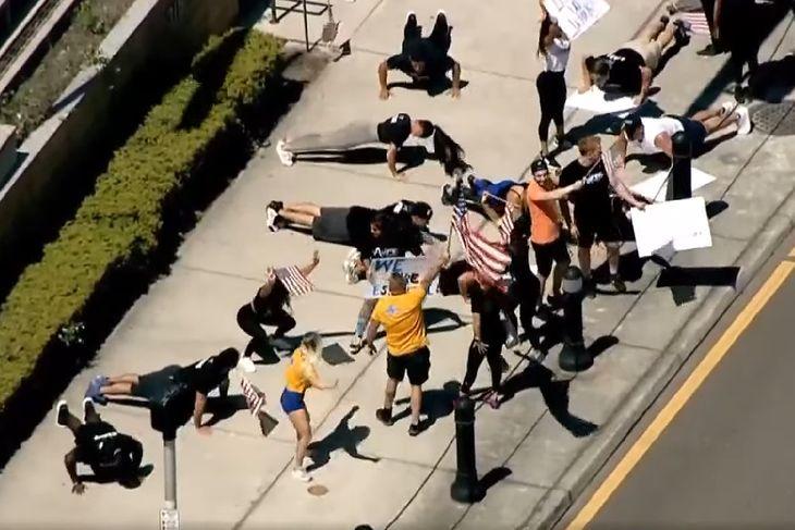 Protest w Clearwater na Florydzie