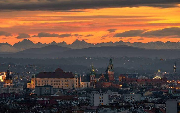 Wyjątkowe zdjęcie Tatr widzianych z Krakowa